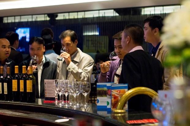 Embajada argentina en Vietnam presentara en linea el vino Malbec hinh anh 1