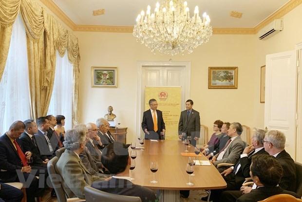 Vietnam y Hungria por fomentar cooperacion multisectorial hinh anh 1