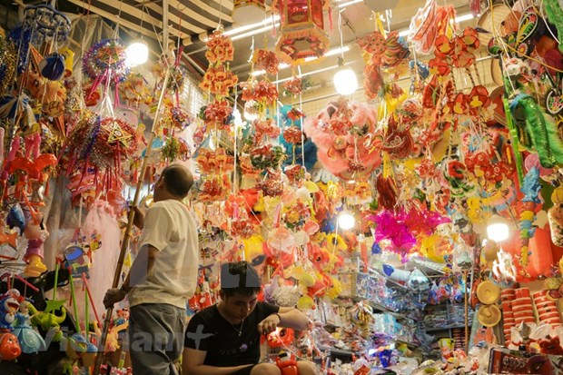 Recuperan posicion juguetes tradicionales vietnamitas en Festival del Medio Otono hinh anh 1