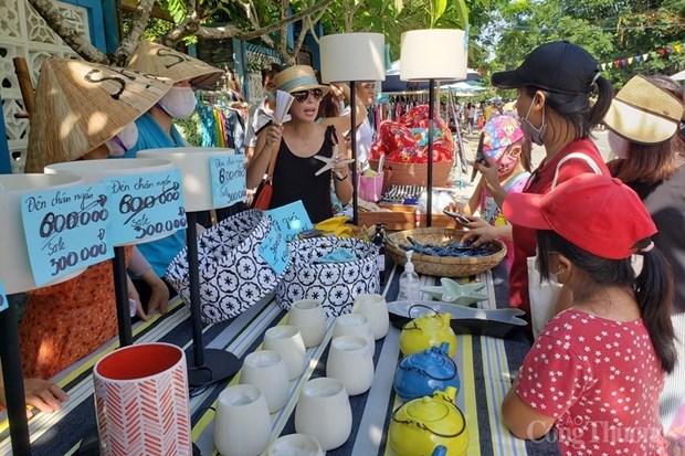 Mercado de pescadores en provincia vietnamita de Quang Nam: iniciativa para impulsar el turismo local hinh anh 1