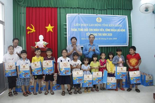Provincia vietnamita organiza Fiesta del Medio Otono para ninos en circunstancias dificiles hinh anh 1