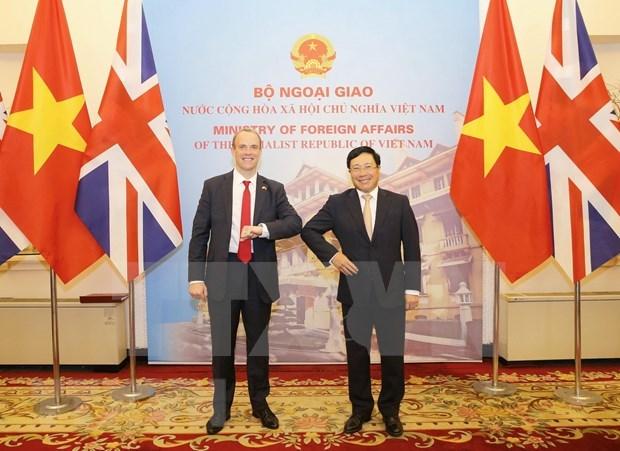 Esbozan Vietnam y Reino Unido trayectoria de asociacion estrategica bilateral en 10 anos hinh anh 1