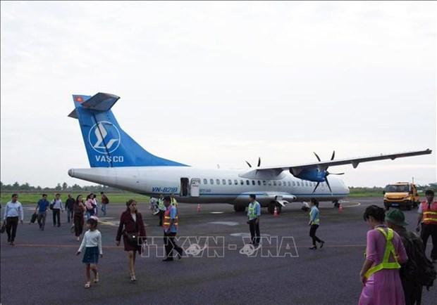Proponen aumentar frecuencia de vuelos comerciales al aeropuerto de Ca Mau hinh anh 1