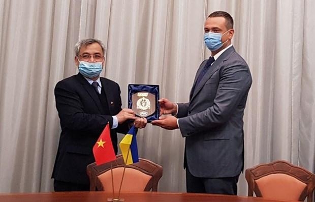 Promueven cooperacion tecnica militar entre Vietnam-Ucrania hinh anh 1