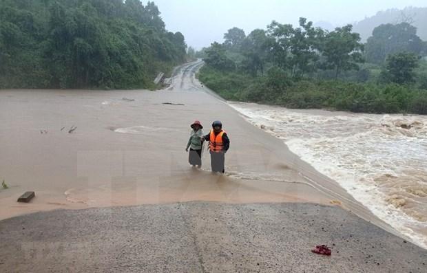 Cinco personas mueren por inundaciones en Vietnam hinh anh 1