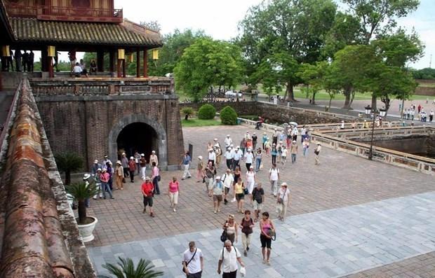 Turistas vietnamitas ansiosos por realizar viaje domestico hinh anh 1