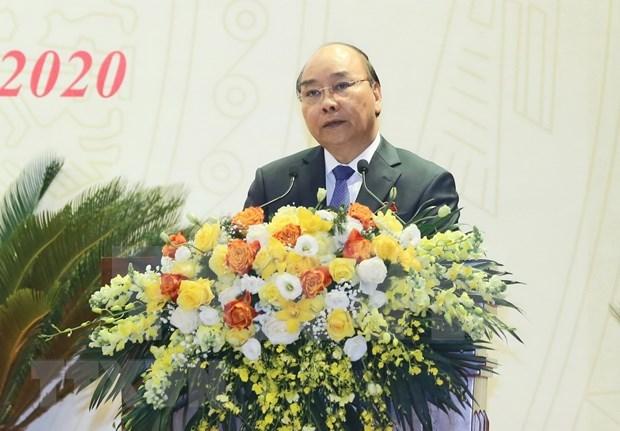 Primer ministro vietnamita insta a fuerzas policiales a cumplir la mision de proteger la Patria hinh anh 1