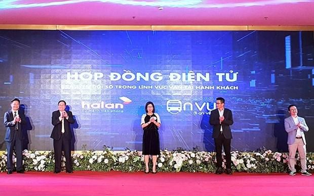 Aumentan la transparencia en procedimientos de transporte de pasajeros en Vietnam hinh anh 1