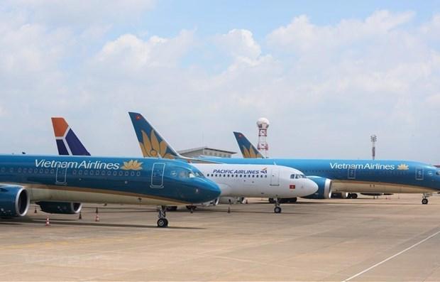 Aerolineas vietnamitas reajustan plan de operacion de vuelos debido al tifon Nangka hinh anh 1