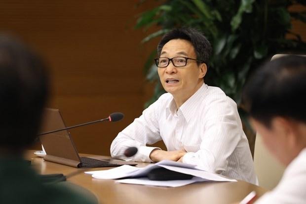 Viceprimer ministro vietnamita pide fortalecer medidas contra COVID-19 hinh anh 1