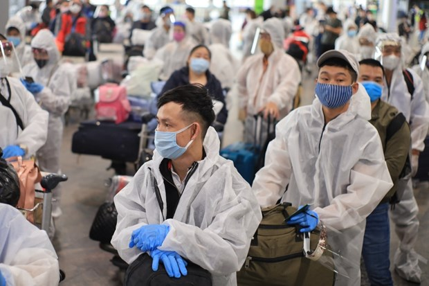 COVID-19: Regresan a pais 370 ciudadanos vietnamitas desde Rusia hinh anh 1