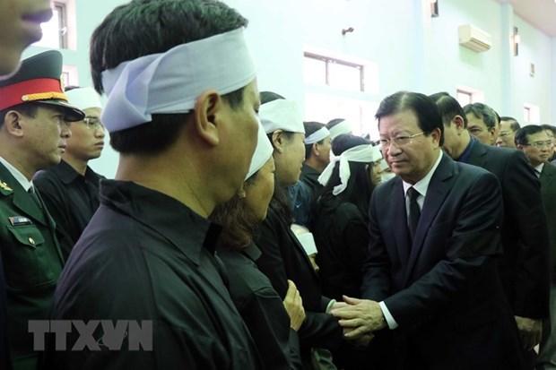 Efectuan actos funebres de soldados fallecidos en incidente en provincia centrovietnamita hinh anh 1