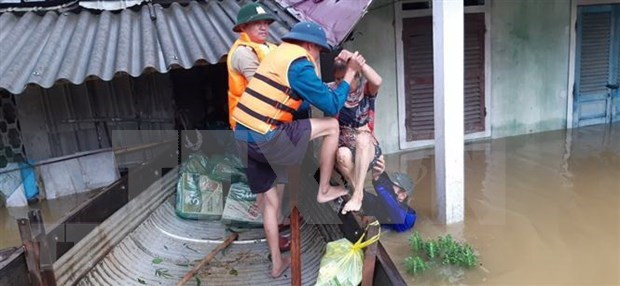 Laos y Tailandia expresan condolencias a Vietnam ante perdidas causadas inundaciones hinh anh 1