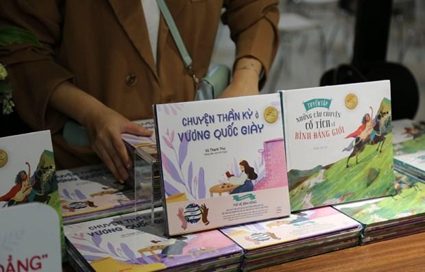 Publican en Vietnam primer comic de hadas sobre igualdad de genero hinh anh 1