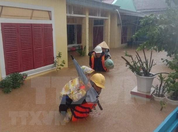 Centro de la ASEAN apoya a provincias vietnamitas afectadas por inundaciones hinh anh 1