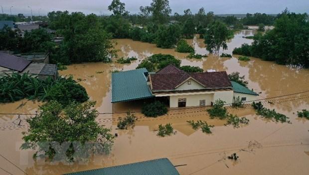 Miles viviendas permanecen inundadas en la provincia centrovietnamita de Quang Binh hinh anh 1