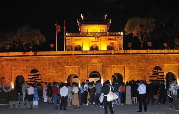 Presentaran tour nocturno por Ciudadela Imperial de Thang Long hinh anh 1