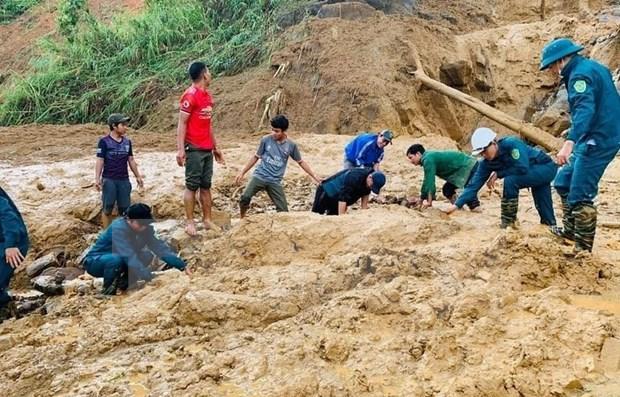 Exhorta premier de Vietnam a aliviar secuelas de calamidades naturales hinh anh 1