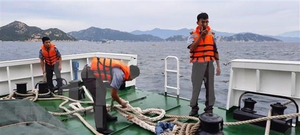 Otros barcos movilizados en Vietnam para buscar a marineros desaparecidos hinh anh 1