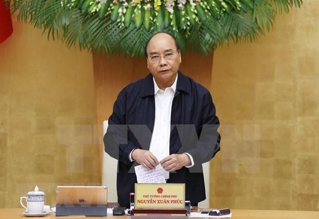 Premier de Vietnam exige ayudar a estabilizar la vida de los pobladores tras inundaciones hinh anh 1