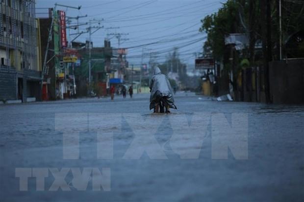 Supertifon Goni causa al menos de 10 fallecidas en Filipinas hinh anh 1