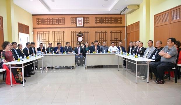 Vietnamitas en Tailandia y Alemania asiste a lucha de la Patria contra secuelas de desastres naturales hinh anh 1