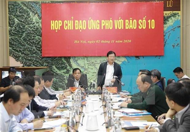 Instan a garantizar seguridad de barcos y personas en Vietnam ante el super tifon Goni hinh anh 1