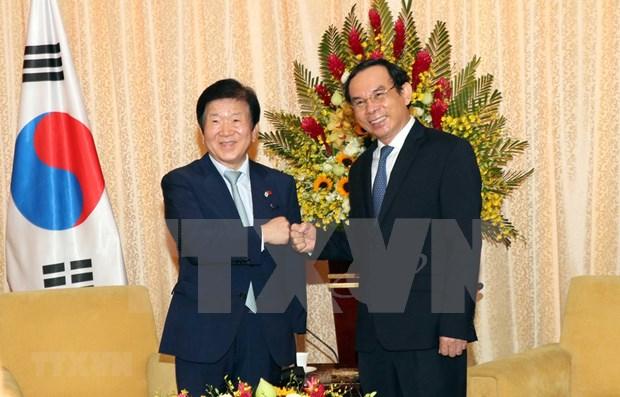 Dirigente de Ciudad Ho Chi Minh respalda la intensificacion de nexos con Corea del Sur hinh anh 1