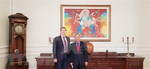 Ucrania desea estrechar las relaciones con Vietnam y la ASEAN hinh anh 1