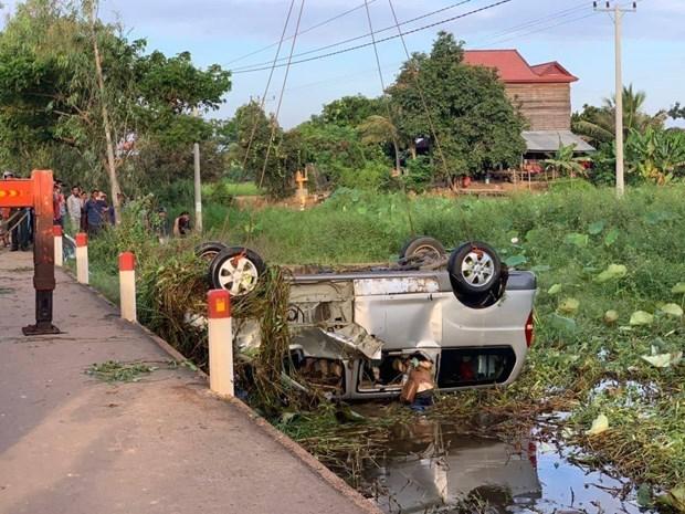 Fallecen seis ciudadanos vietnamitas en accidente de transito en Camboya hinh anh 1