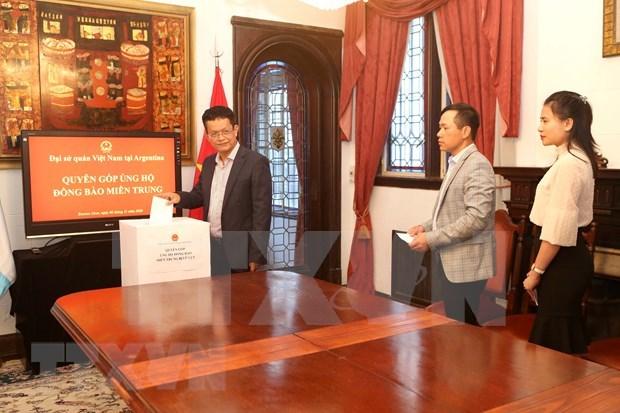 Embajada de Vietnam en Argentina recauda fondos dedicados a coterraneos afectados por desastres hinh anh 1