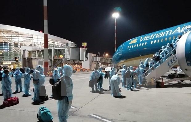 COVID-19: Regresan a casa mas de 340 ciudadanos vietnamitas desde Alemania y Rumania hinh anh 1