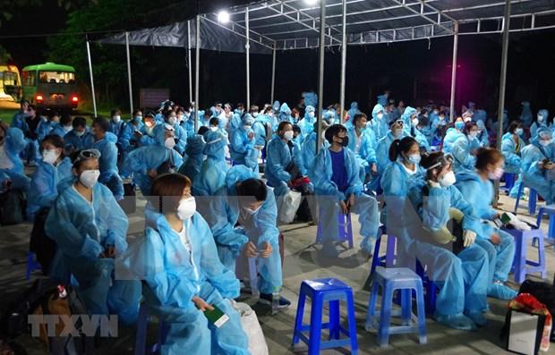 Repatrian a 280 ciudadanos vietnamitas desde Rusia en medio del COVID-19 hinh anh 1