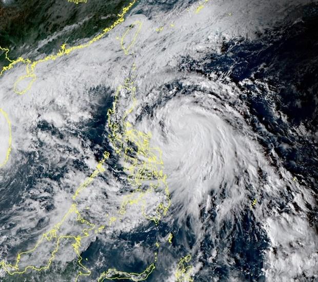 Tifon Vamco causa un muerto y tres desaparecidos en Filipinas hinh anh 1