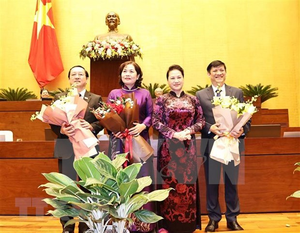 Parlamento vietnamita avala designacion de ministros y gobernador del Banco Estatal hinh anh 1
