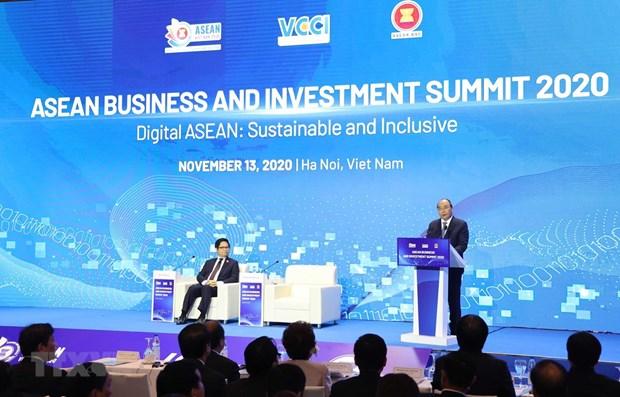 Premier vietnamita exhorta a esfuerzos conjuntos de empresas para recuperacion economica regional hinh anh 1