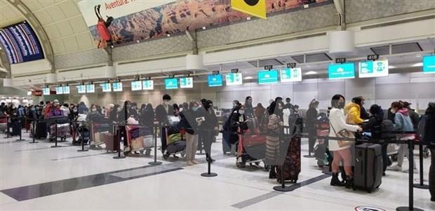 Repatrian a 350 ciudadanos vietnamitas desde Canada en medio del COVID-19 hinh anh 1