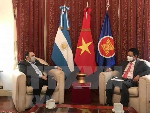 Radio La Voz de Vietnam y Radio Nacional de Argentina profundizan la agenda de cooperacion hinh anh 1