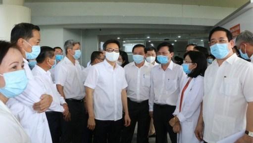 Supervisan labores preventivas del COVID-19 en la provincia vietnamita de Long An hinh anh 1