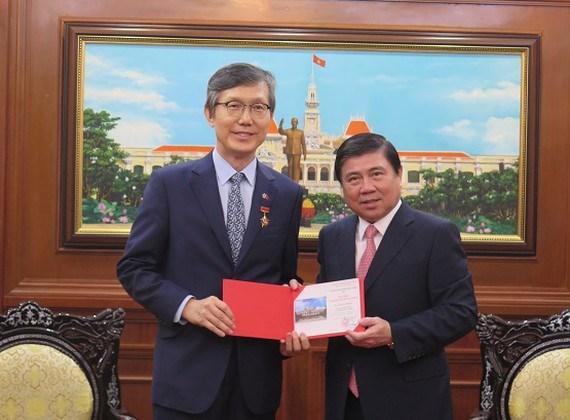 Aprecian aportes del consulado general de Corea del Sur a lazos bilaterales hinh anh 1
