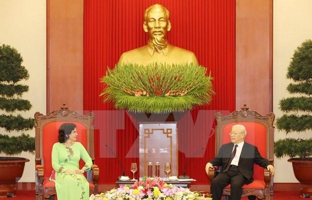 Maximo dirigente vietnamita recibe a embajadora cubana hinh anh 1