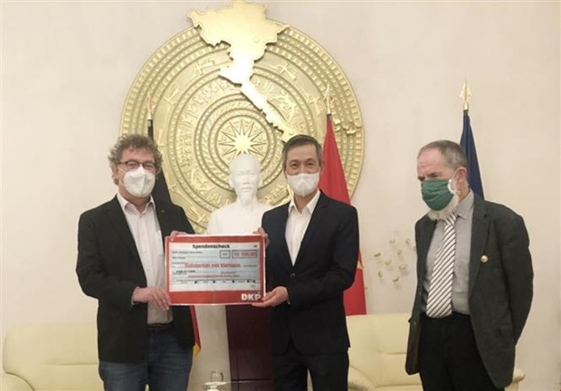 Alemania brinda apoyo a vietnamitas afectados por desastres naturales hinh anh 1