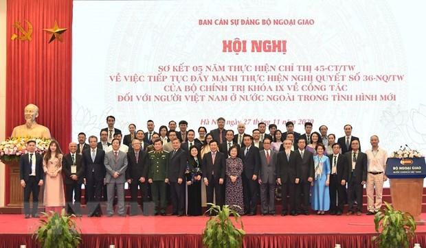 Fomentan trabajos relativos a los vietnamitas en ultramar hinh anh 1