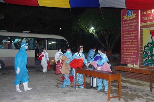 Regresan a casa 368 ciudadanos vietnamitas desde Macao (China) hinh anh 1
