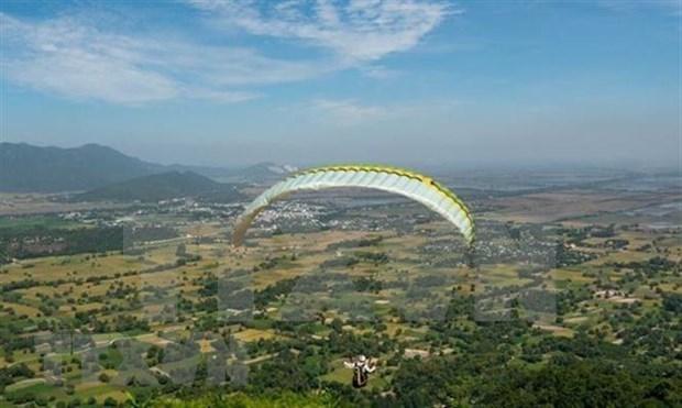Espectaculo de parapentes divulga turismo de provincia montanosa vietnamita hinh anh 1