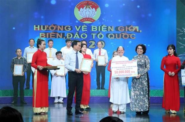 Recaudan casi 1,5 millones de dolares a favor del mar e islas de Vietnam hinh anh 1