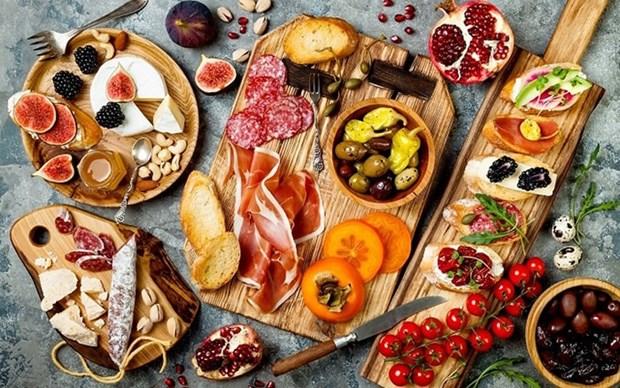 Presentan en Hanoi la gastronomia italiana hinh anh 1