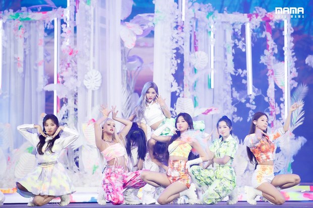 Artistas vietnamitas ganan prestigiosos premios musicales de Asia hinh anh 1
