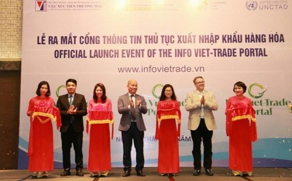 Estrenan en Vietnam portal para facilitar procedimientos comerciales hinh anh 1