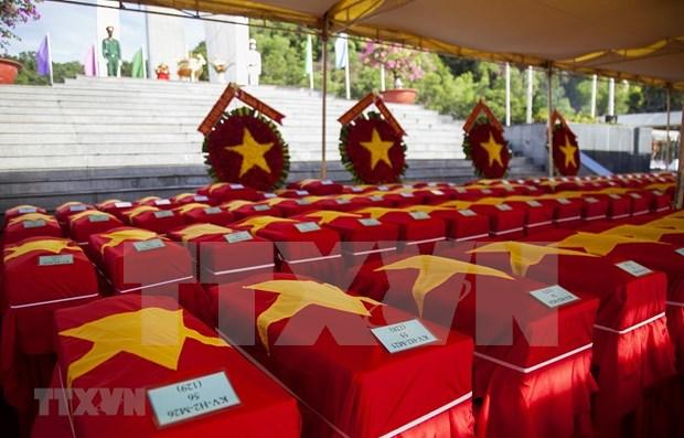 Rinden homenaje postumo a 262 soldados vietnamitas caidos en Camboya hinh anh 1